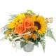 Verspielter Sommerstrauss mit Sonnenblumen, Rosen, Asclepia, Ähre und feines Grün