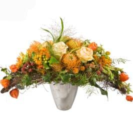 Herbststrauss Quer mit Exoten, Rosen, Herbstzauber, feines Grün, Physalis, usw.