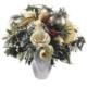 Adventsstrauss in weiss mit Amaryllis, Rosen, Weihnachtskugeln, Zapfen, Aster, Tanne, Koniferen und Beiwerk
