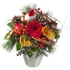 ChlouseStruss mit Rose, Tanne, Zimt, Nüssen, Klausenmütze, Apfel und Beeren