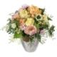 Zarter Frühling mit Rosen Margriten und Alstromeria