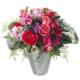 Pink in den Frühling mit Ranunkeln, Anemonen, Rosen, Alstromeria und Beiwerk in einer neuen Vase