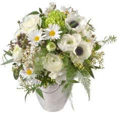 Frühling in weiss mit Anemonen, Margriten, Ranunkeln und Freesien