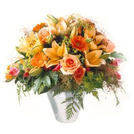 Sommer Sinfoni mit Lilien, Rosen, Alstromeria und feinem Beiwerk