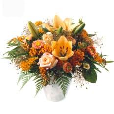 Mittsommer mit Lilien, Rosen, Alstromeria