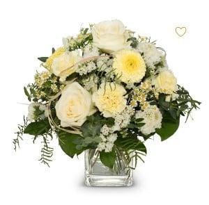 Blumen Bern Strauss April mit Rosen, Germini, Schleierkraut, feines Grün, Blätter