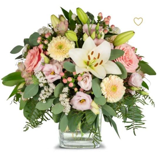 Lilien Prinzessin Blumenstrauss mit Lilien, Eustoma, Lisianthus, Rosen, Germini, Alstromeria und Blattwerk.