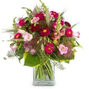 Flower Kiss mit Löwenmaul, Aster, Alstro, Bartnelken, Ähren und Sommerblumen